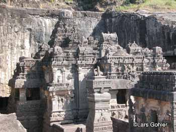 The temples at Ellora Caves were carved out of 100,000 cubic yards of rock.