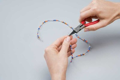 Make the garland by threading the beads onto the craft wire.