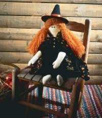Follow our steps to make this friendly witch doll, a perfect Halloween decoration.