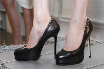 bebb734fa8a How can you avoid getting blisters when you're wearing high heels ...