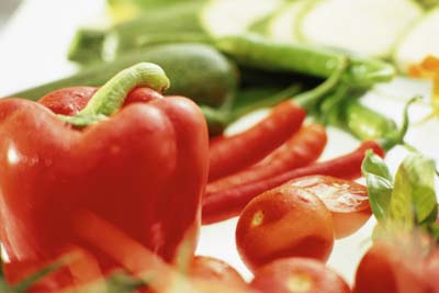 Eating hot foods like chile peppers may help you breathe easier.