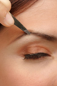 How often should I tweeze my eyebrows? | HowStuffWorks
