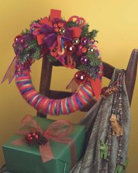 Here is a finished Christmas festival wreath.