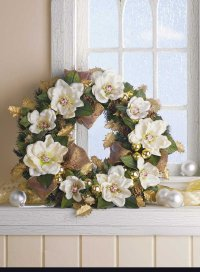 Here is an example of a completed Southern Magnolia Holiday Wreath.