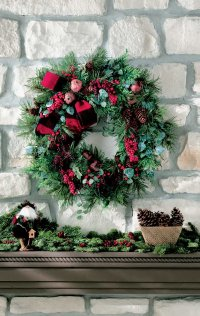 Here is an example of a completed Lush and Lovely Lodge Wreath.