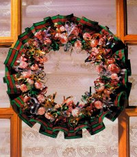 Here is a completed Creative Candy Wreath.