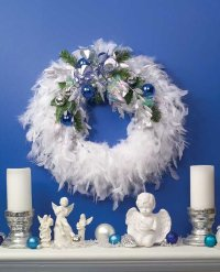Here is a completed Softly Silver Wreath.