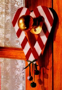 Here is the completed Candy Cane Doorknob Decorations.