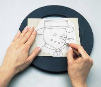 Transfer the basic shapes of the snowman plate pattern.