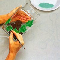 Create the holly and then let dry when making Christmas cookie jar.