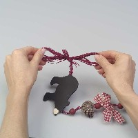Grizzly Bear Garland