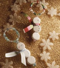 Frosty Friends is a beautiful snowman-themed Christmas bracelet.