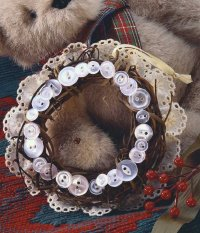 Buttons 'n' Eyelet Wreath.