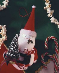 Here is an example of the finished Bountiful Santa ornament.