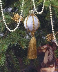 Here's an example of a finished Royal Yule Ornament.