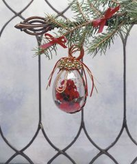 Here is an example of a finished Yuletide Bauble ornament.