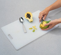 Peel the papaya using a vegetable peeler or paring knife.