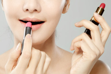 How are lip stain and lipstick different? | HowStuffWorks