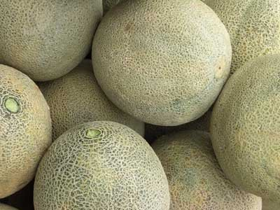 Recognize a fully ripe cantaloupe by its slightly sweet smell.