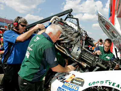 New Engine Cost >> Nascar Sprint Cup Race Car Costs Howstuffworks