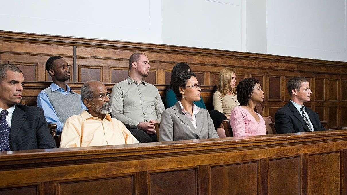 судебный заседатель 7 букв