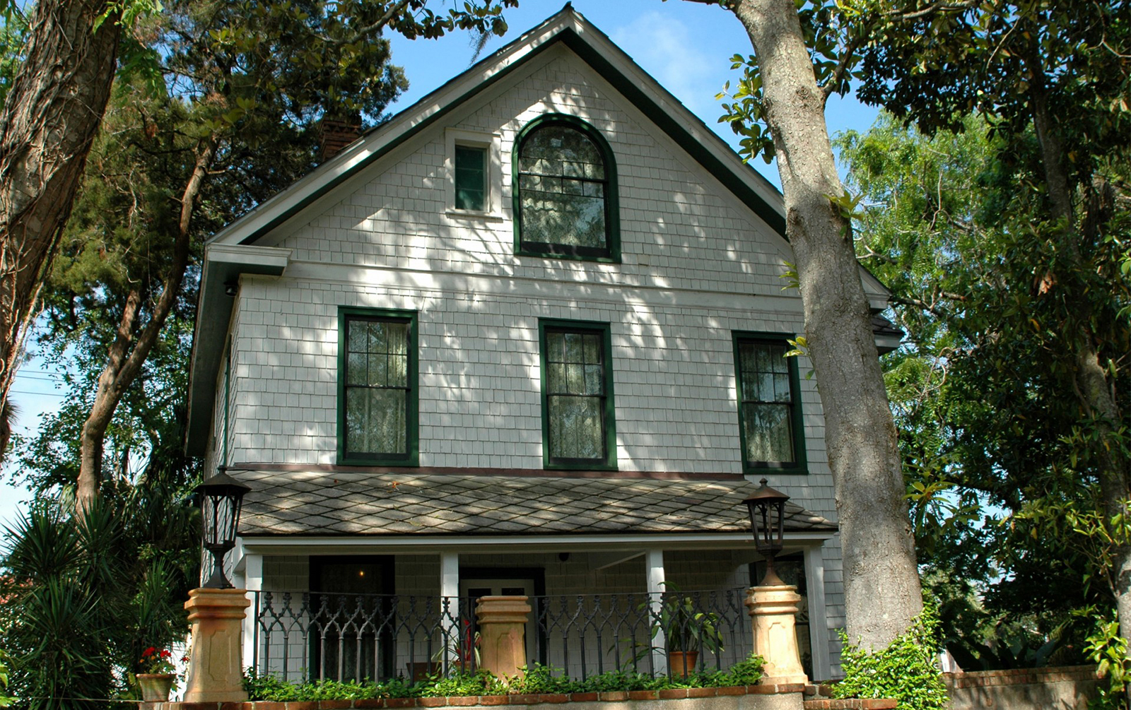 Owning an Old House: Charming Love Affair or Expensive Money Pit?