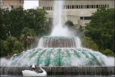 This striking fountain is part of Lake Eola Park in downtown Orlando.