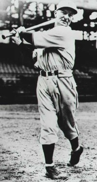 In 1926, Waner had the highest batting average of any NFL player with more than 400 at bats (.336).
