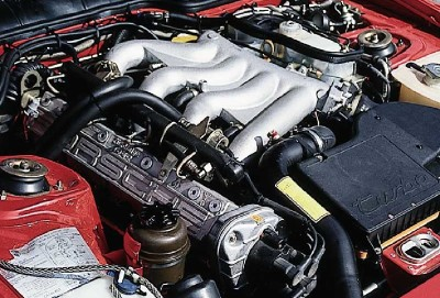 Porsche 944 Turbo engine