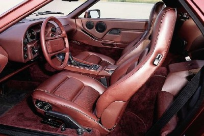 The Porsche 928 S had a rich interior with leather upholstery.