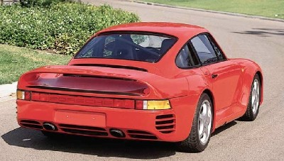 Most of the Porsche 959's body was rendered in light high-tech Kevlar composite.