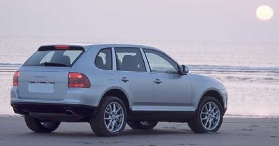 2003 Porsche Cayenne S rear view