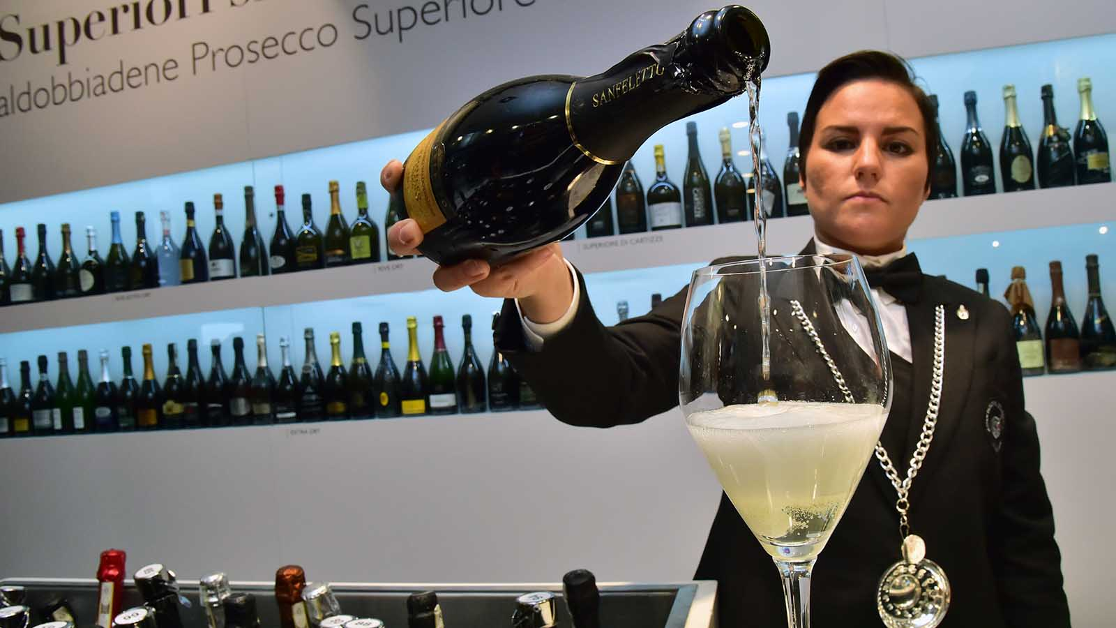 How to Buy a Good Bottle of Prosecco
