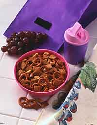 Pleasin' Peanutty Snack Mix