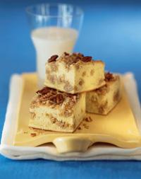 Topsy-Turvy Banana Crunch Cake