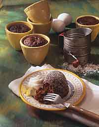 Apple-Gingerbread Mini Cakes