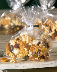 Spicy, Fruity Popcorn Mix