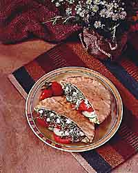 Hummus Pita Sandwiches