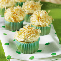 White Chocolate Macadamia Cupcakes