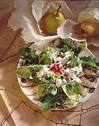 Green Salad with Pears and Pecans