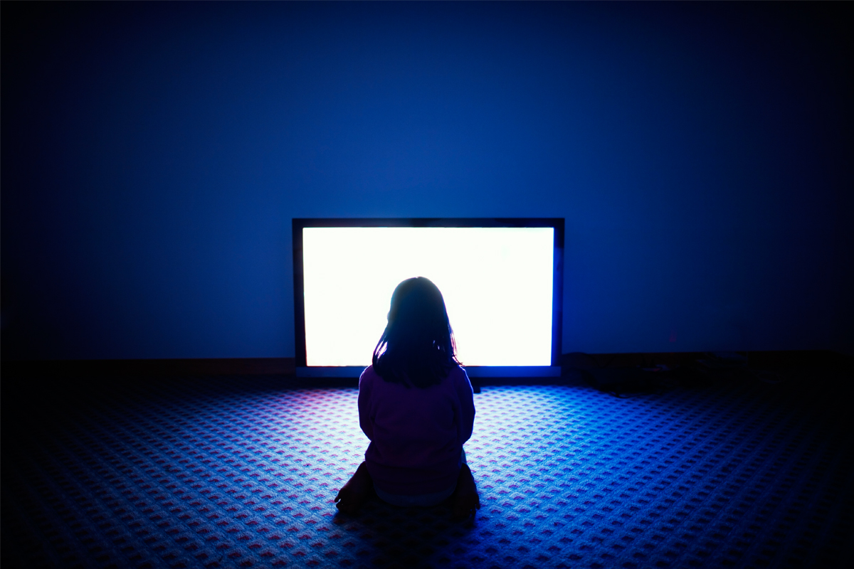 Is Sitting Too Close To The Tv Really Bad For Your Eyes