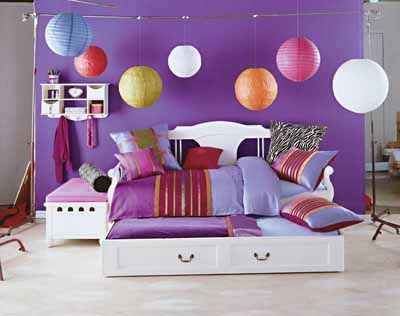 Teen Bedroom Decorating Ideas | HowStuffWorks on ideas for decorating a hall, ideas for decorating a car, ideas for bedroom curtains, ideas for bedroom decor, ideas for bedroom colors, ideas for bedroom design, ideas for decorating a bar, ideas for bedroom paint, ideas for decorating a boat, ideas for decorating a foyer, ideas for decorating a classroom, ideas for decorating a sitting area, ideas for decorating a house, ideas for decorating a powder room,