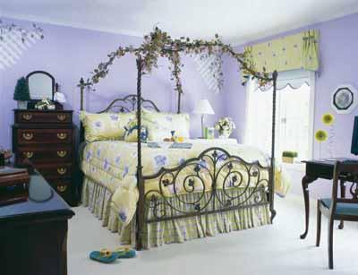 Soft Impressions Teen Bedroom Decorating Idea | HowStuffWorks