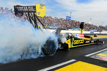 How a Top Fuel Dragster Works | HowStuffWorks