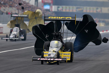 Race Day! - How a Top Fuel Dragster Works | HowStuffWorks
