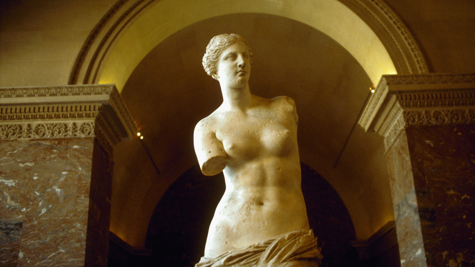 Venus de Milo: The Most Famous Armless Statue in the World