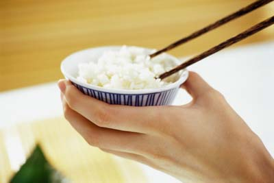 Polished rice is missing its outer layer of bran, stripping it of much of its thiamin.