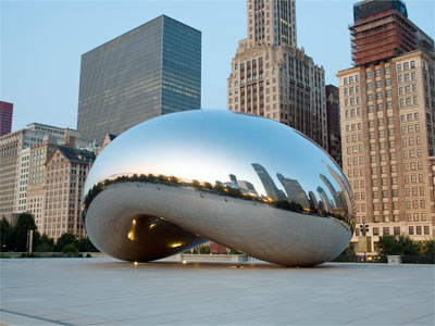 You can see why Chicagoans affectionately call this metallic masterpiece of welding the bean.